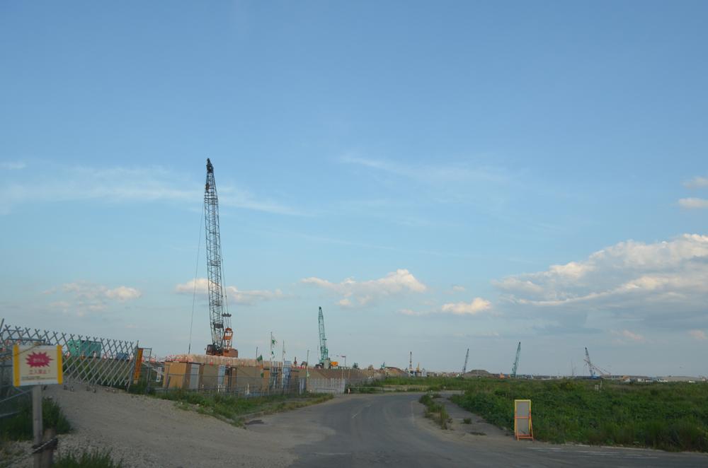 河川堤防の工事現場