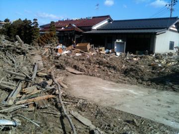 津波の痕が残る六郷