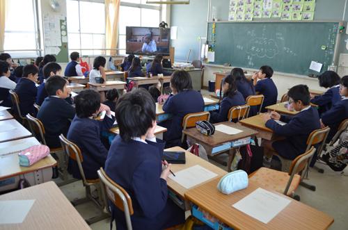 大阪府堺市三国丘小学校での「わすれン!」記録利活用事...