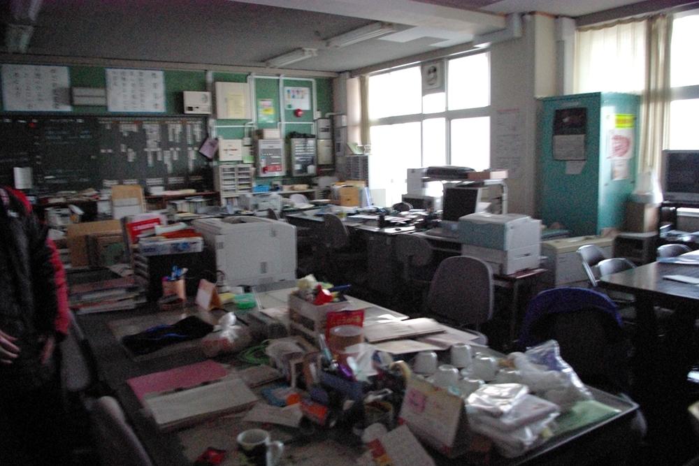 仙台市立荒浜小学校定点観測写真05〈2階職員室〉