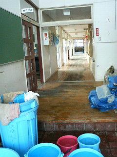 除染作業後の玄関