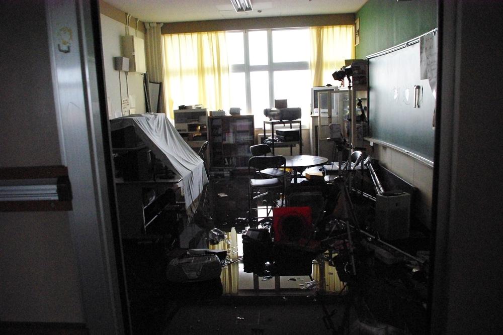 荒浜小学校2階校舎内
