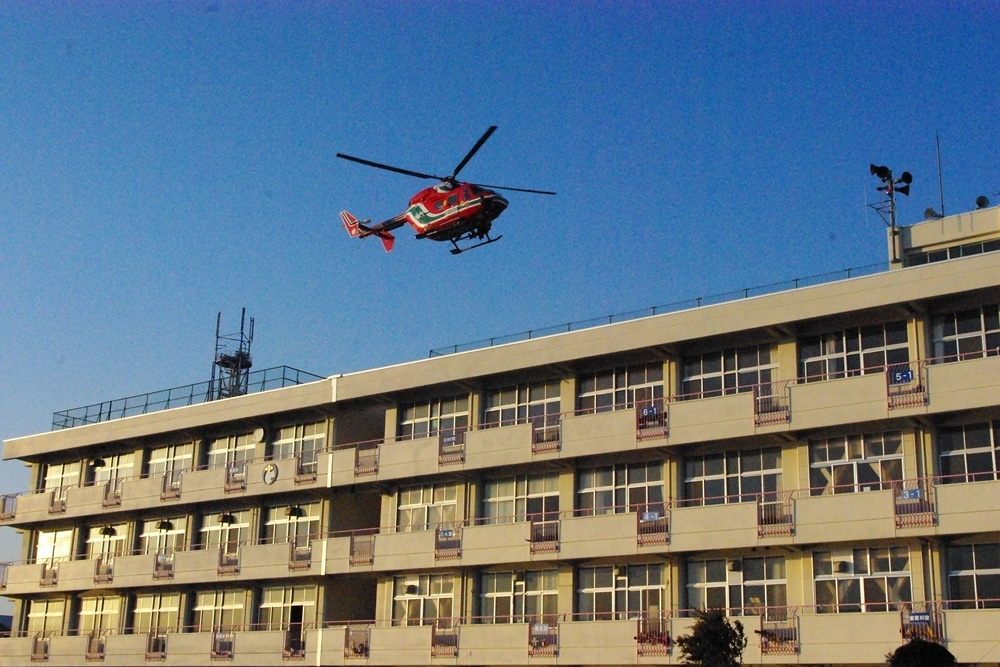 ヘリによる救出再開