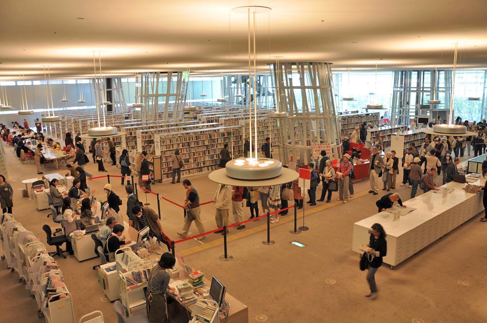 仙台市民図書館の被災の様子 ー 当日から再開まで(2...