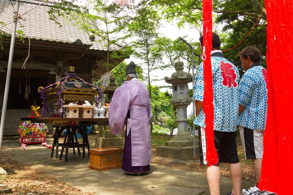 石巻市小渕浜:五十鈴神社御祭典・その一、五十鈴神社に...