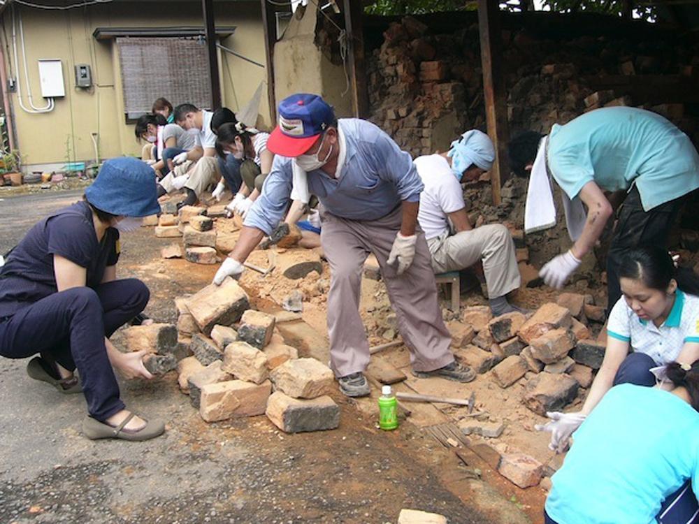 仙台市内の震災直後のまちなかの様子と、震災からの復活...