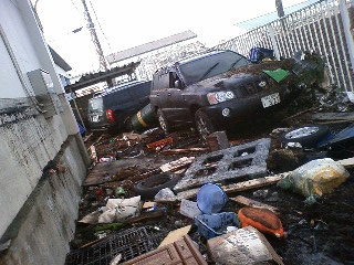 水が引いた多賀城市街地