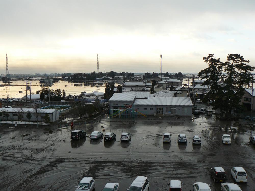 2011年3月12・21日 岡田小学校の被害の様子